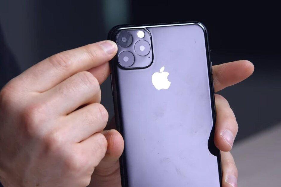 Apple-iPhone-11-Max-2