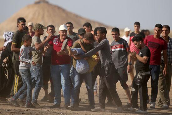 إصابة شاب فلسطينى