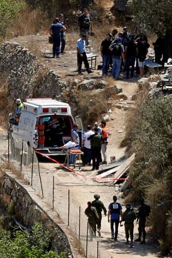 قوات الاحتلال فى موقع الحادث