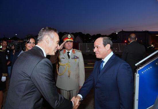الرئيس السيسى يصل بياريتز (1)