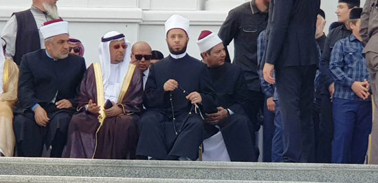 رئيس الشيشان يبكى خلال افتتاح أكبر مسجد بأوربا فى ذكرى والده (2)