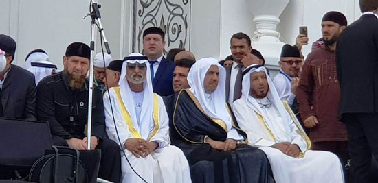 رئيس الشيشان يبكى خلال افتتاح أكبر مسجد بأوربا فى ذكرى والده (1)