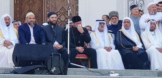 رئيس الشيشان يبكى خلال افتتاح أكبر مسجد بأوربا فى ذكرى والده (3)