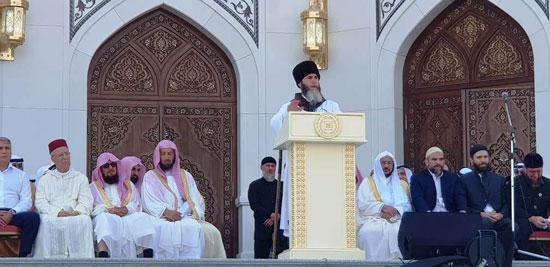 رئيس الشيشان يبكى خلال افتتاح أكبر مسجد بأوربا فى ذكرى والده (5)