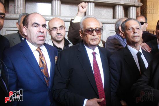 قيادات وأعضاء حزب الوفد من مختلف المحافظات فى زيارة لضريح سعد زغلول (1)