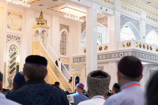 رئيس الشيشان يبكى خلال افتتاح أكبر مسجد بأوربا فى ذكرى والده (8)