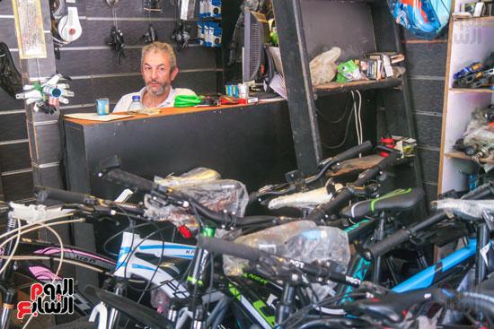 تاجر دراجات