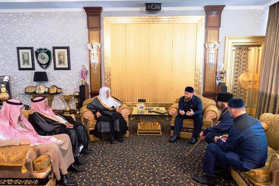 رئيس الشيشان يبكى خلال افتتاح أكبر مسجد بأوربا فى ذكرى والده (9)