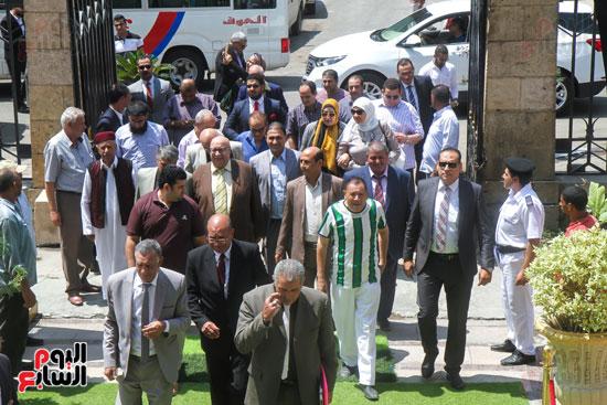 قيادات وأعضاء حزب الوفد من مختلف المحافظات فى زيارة لضريح سعد زغلول (12)