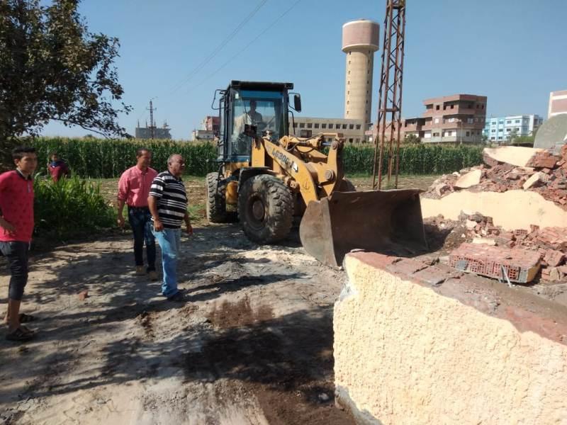 إزالة التعديات ورفع الإشغالات على الأراضى الزراعية (14)