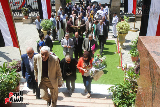 قيادات وأعضاء حزب الوفد من مختلف المحافظات فى زيارة لضريح سعد زغلول (13)