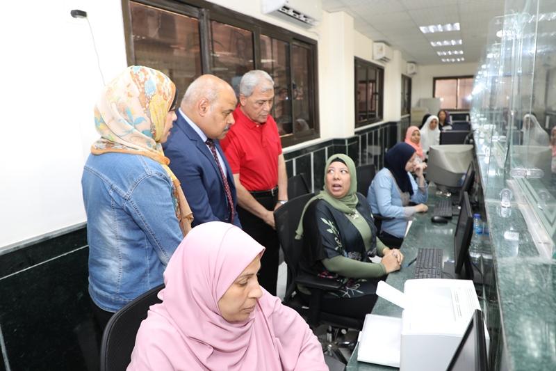 جولة محافظ المنوفية ووفد منظمة الشكاوى بالمركز التكنولوجى (1)