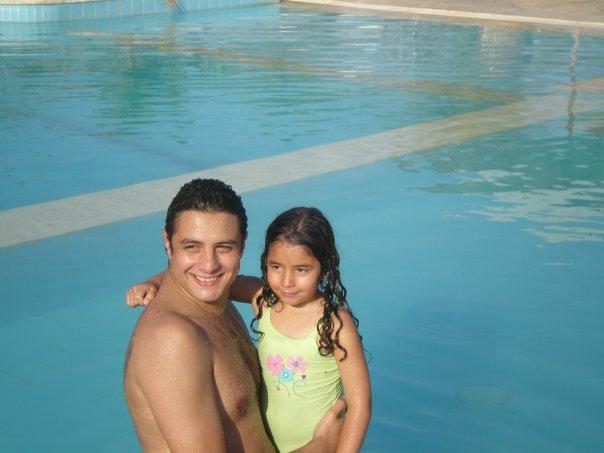 37765-احمد-الفيشاوى-مع-ابنته-لينا