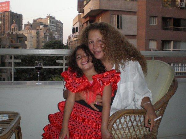 55462-سمية-الالفى-وحفيدتها-لينا-(5)
