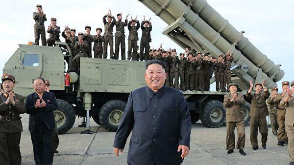 زعيم كوريا الشمالية خلال التحضير لإطلاق الصواريخ
