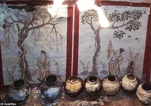 المقبرة المكتشفة داخل قبر صينى  (6)