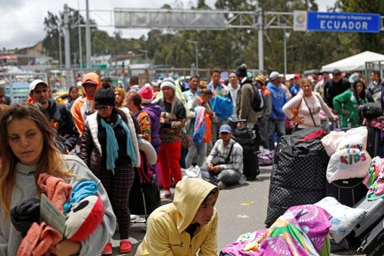 آلاف المواطنين فى فنزويلا يفرون من البلاد