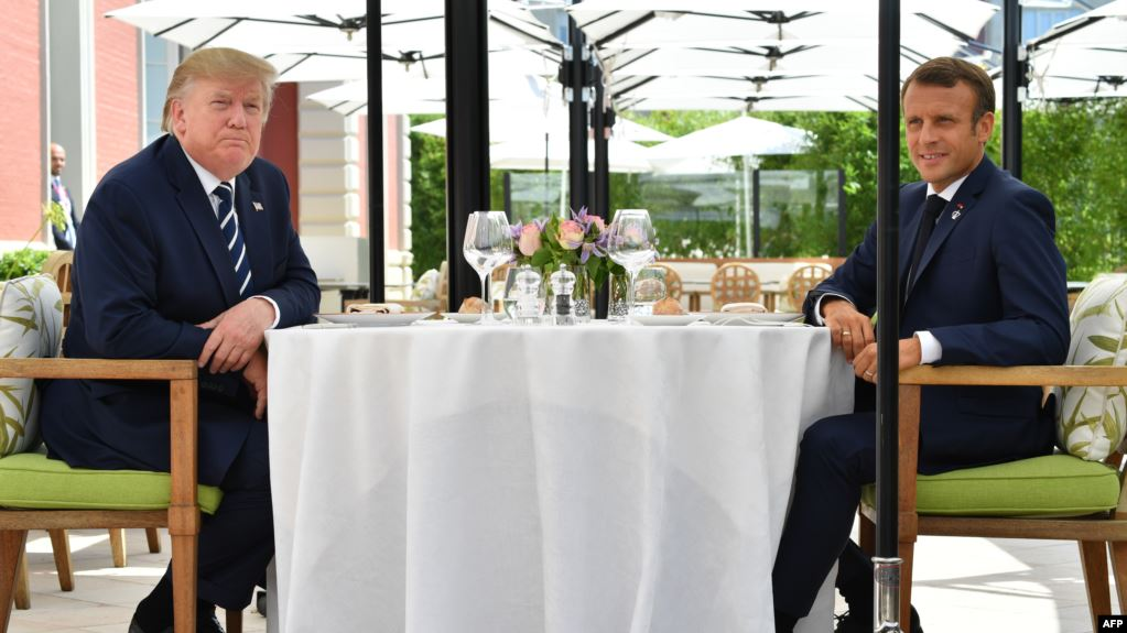 جانب من لقاء ترامب وماكرون على هامش قمة السبع