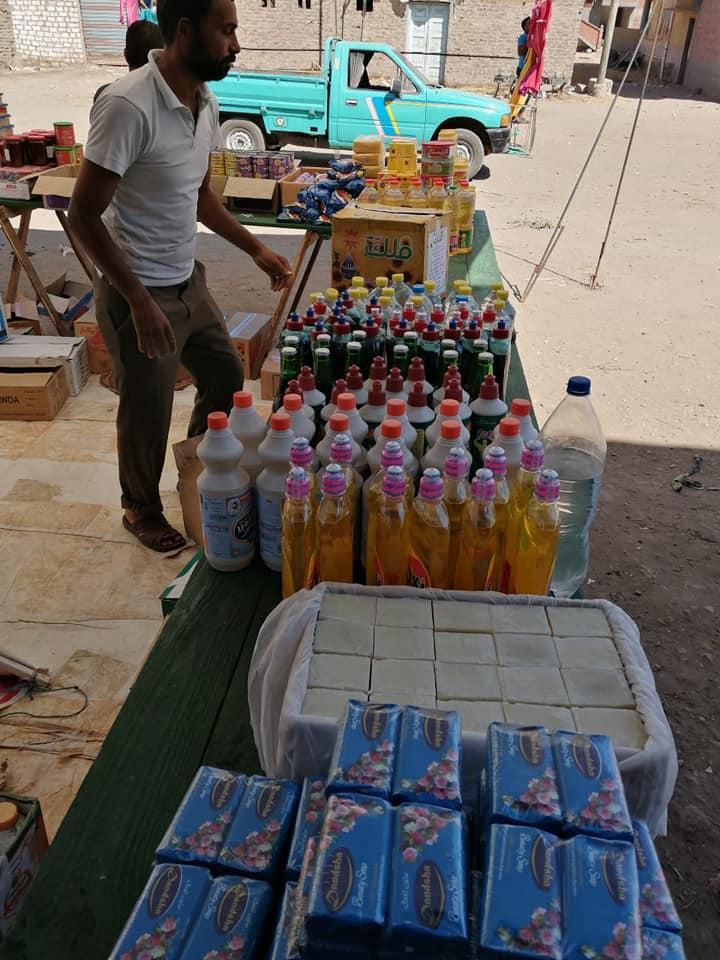 قافلة للسلع الغذائية بقرية برياض كفر الشيخ  (3)