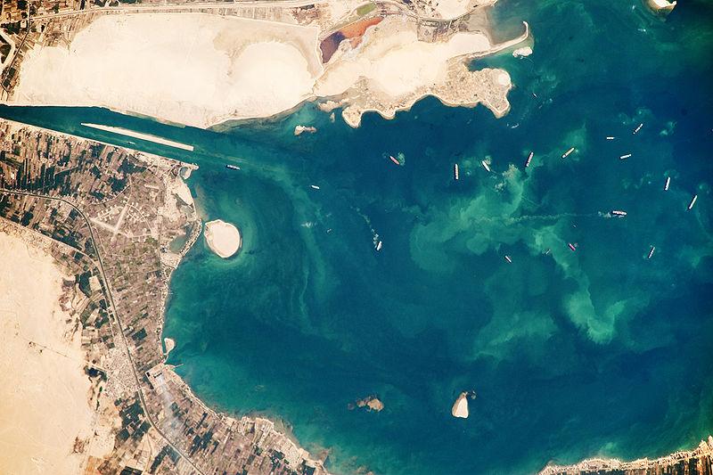 صورة جوية للبحيرة المرة الكبرى بالإسماعيلية (2)