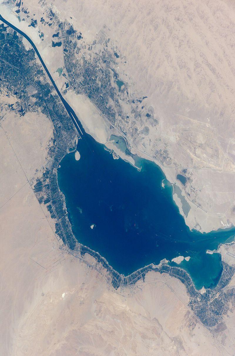 صورة جوية للبحيرة المرة الكبرى بالإسماعيلية (1)