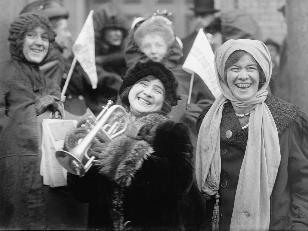 نساء يتظاهرن في الولايات المتحدة للحصول على حق التصويت عام 1913
