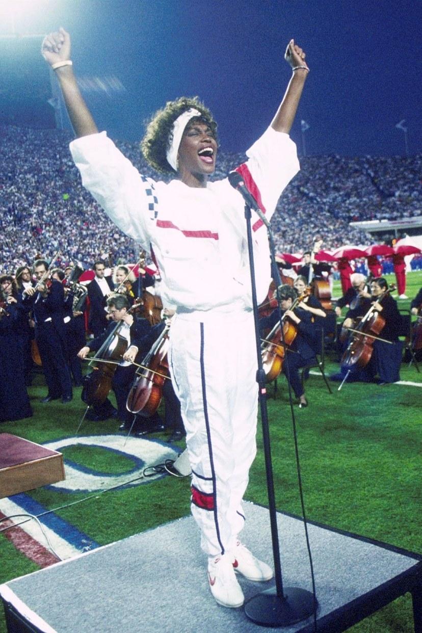 ويتني هيوستن يغني في سوبر بول ، 1991.