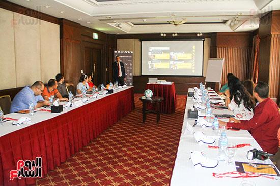 مؤتمر صحفى - VAR (11)