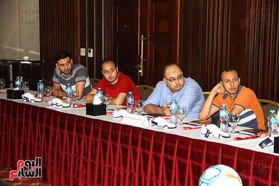 مؤتمر صحفى - VAR (2)
