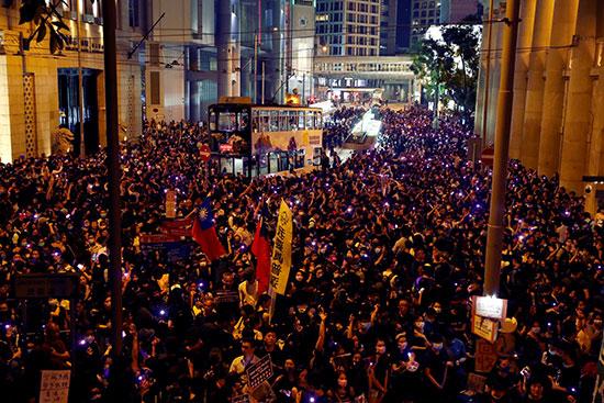 مسيرات احتجاجية فى هونج