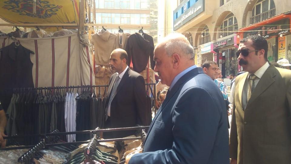 مدير أمن كفر الشيخ يفتتح معرض الغرفة التجارية لمستلزمات المدارس (4)