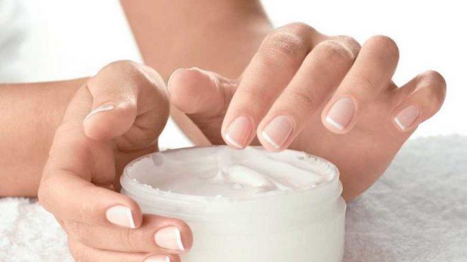 وصفات طبيعية لترطيب اليدين (1)