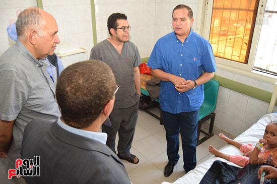 8 عمليات جديدة لزراعة القوقعة بمستشفى سوهاج الجامعي بتكلفة مليون جنيه (6)