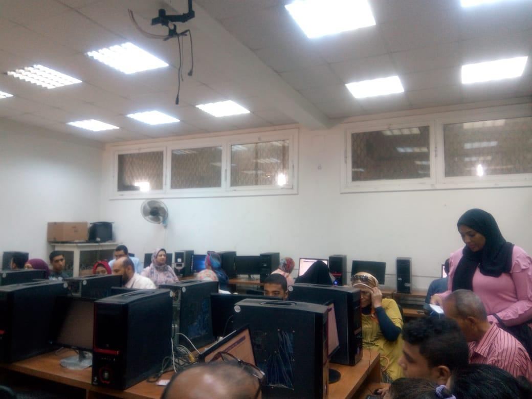 جامعة عين شمس تواصل استقبال طلاب المرحلة الثالثة للتنسيق (1)