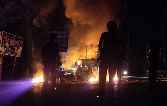 اشتباكات فى إندونيسيا (4)
