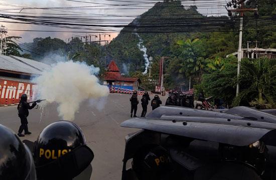 اشتباكات فى إندونيسيا (3)