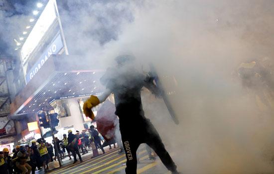 الاحتجاجات العنيفة