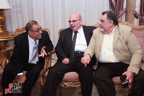 اصدقاء-الدكتور-عبد-الوهاب-عزت