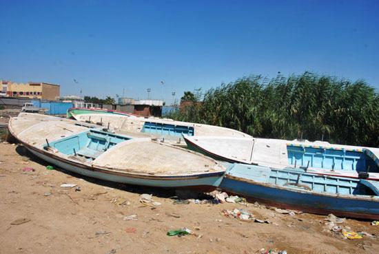 3--مراكب-الصيد-على-جانب-البحيرة