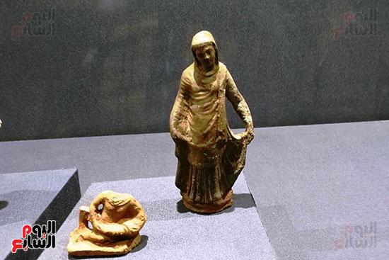 تماثيل-مصرية-من-زمن-متأخر