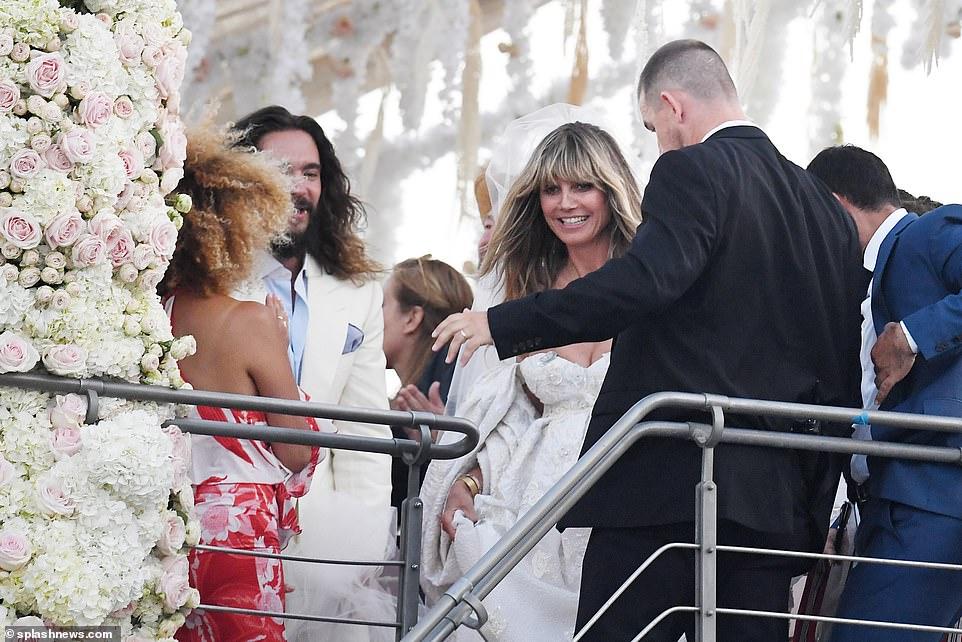 من حفل زفاف هيدي كلوم و كوليتز (6)