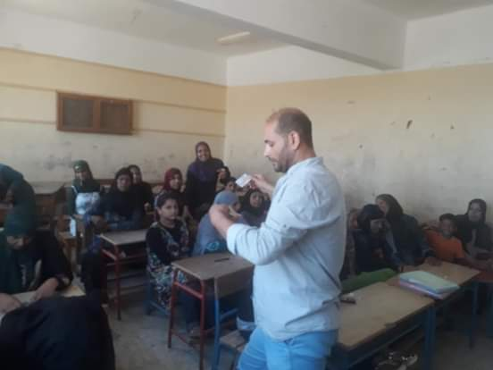 اختبارات محو الأمية بقافلة جامعة المنيا (4)