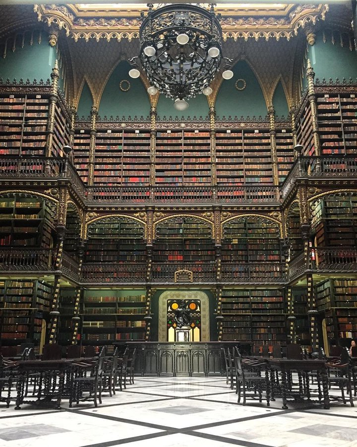 مكتبة عالمية
