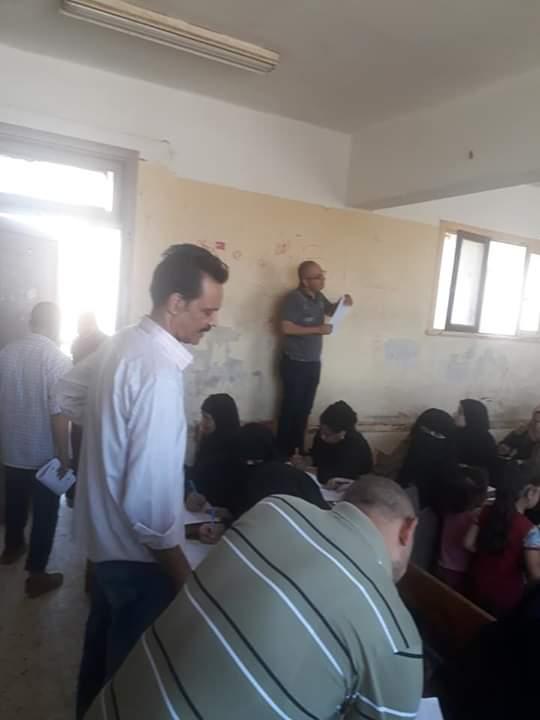 اختبارات محو الأمية بقافلة جامعة المنيا (3)