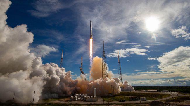 SpaceX mission begins
