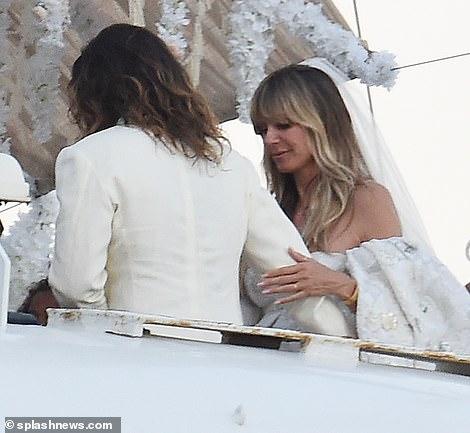 من حفل زفاف هيدي كلوم و كوليتز (8)