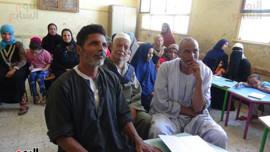 قوافل حياة كريمة بقرية ههيا (24)