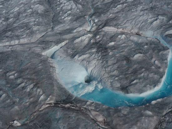 جانب من ذوبان الجليد