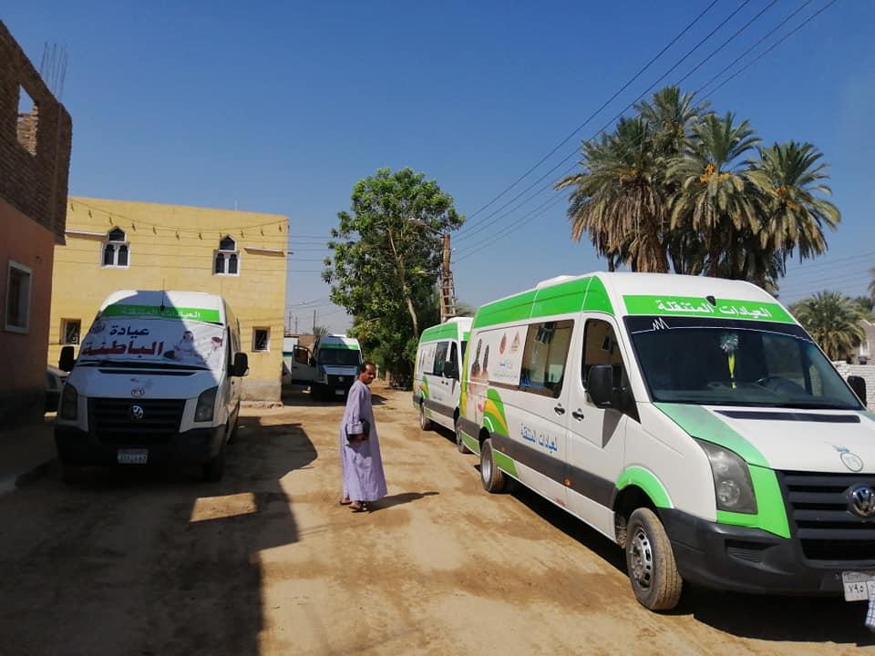رئيس مدينة الطود تفقد قافلة طبية للصحة خلال فحصها 350 مواطن من أهالي قرية منشية النوبة  (6)