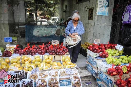 الإقبال علي شراء الفاكهة